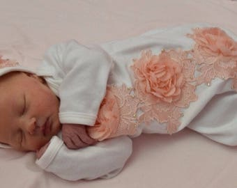 Newborn Girl Take Home Outfit, Peach and White Baby Gown, Lace Baby Gown, Coming Home Outfit, Baby Girl Clothes, Baby Shower Gift, Layette