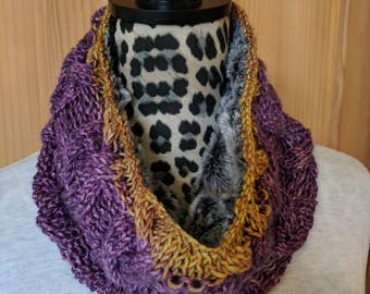 Purple Gold Cowl | Lined Knit Cowl | UW Huskies Cowl | Cable Knit Cowl