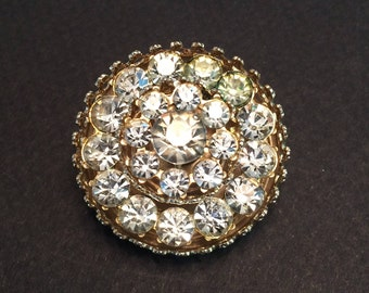Coro wedding cake brooch