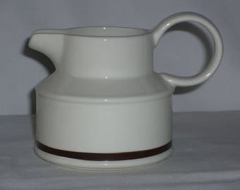 Midwinter white creamer with brown stripe