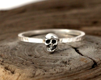 Skull ring. Tiny sterling silver ring, stacking ring, hammered band ring