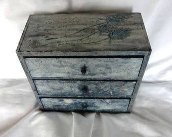 Medium Sized, Iridescent, 3 Drawer, Hand Painted 'Teasels' Box