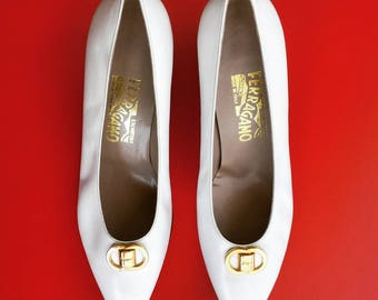 Never worn - 1990's Salvatore Ferragamo pumps - Women's size 9 1/2B - white with gold buckle accent