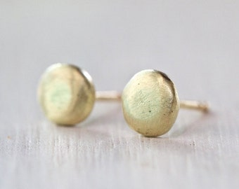 18k gold earrings, Solid gold stud earrings , small gold studs,  post earrings, simple stud earrings, pebble studs, Bridal Jewelry