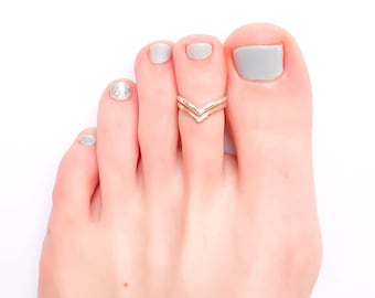 Chevron Toe Ring, Gold and Silver Toe Ring, Adjustable Toe Ring, Beach Jewelry, Toe Rings, Chevron Midi Ring, Knuckle Ring