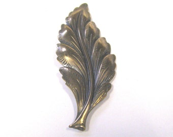 Vintage antique brass leaf brooch very detailed wear or repurpose