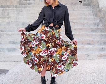 Amazing Burberry floral button midi skirt, Vintage 90s Boho High waisted Button down skirt, Floral Button front midi skirt size small