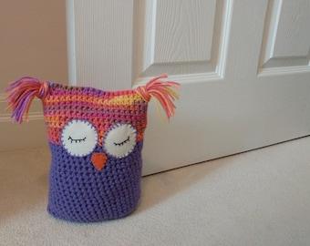 Owl crochet bookend doorstop decorative boy girl baby ornament - choose your colour