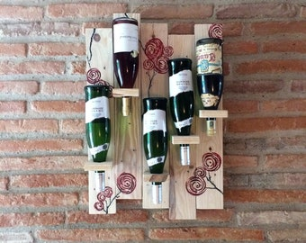 Recycled pallet wood wall rack
