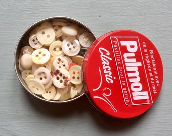 Lovely French Vintage Buttons in a Small Pulmoll Pastille Tin