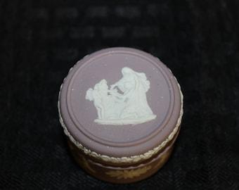 WW0062(B) Wedgwood Lilac Jasper Lidded Box