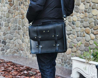 Leather  Messenger Bag / Large computer case /Black Leather briefcase messenger bag / Men's Bag / Gift for him / Free Personalization