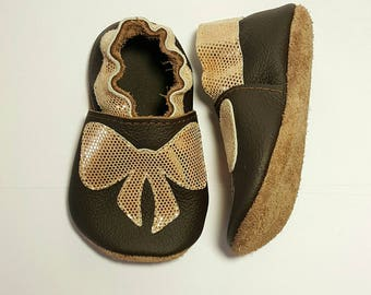 Golden bows soft sole leather shoes, leather baby shoes, pre-walkers, soft soled baby shoes, baby slippers, toddlers moccasins