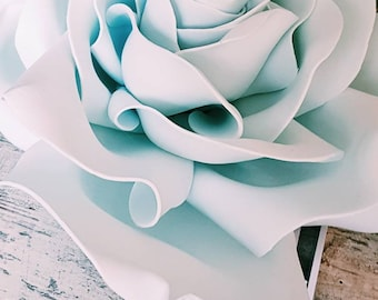 Handmade XXL flowers for all kind of decoration. Individually ordered. All colors and type of flowers are feasible. From 20 cm to 200 cm