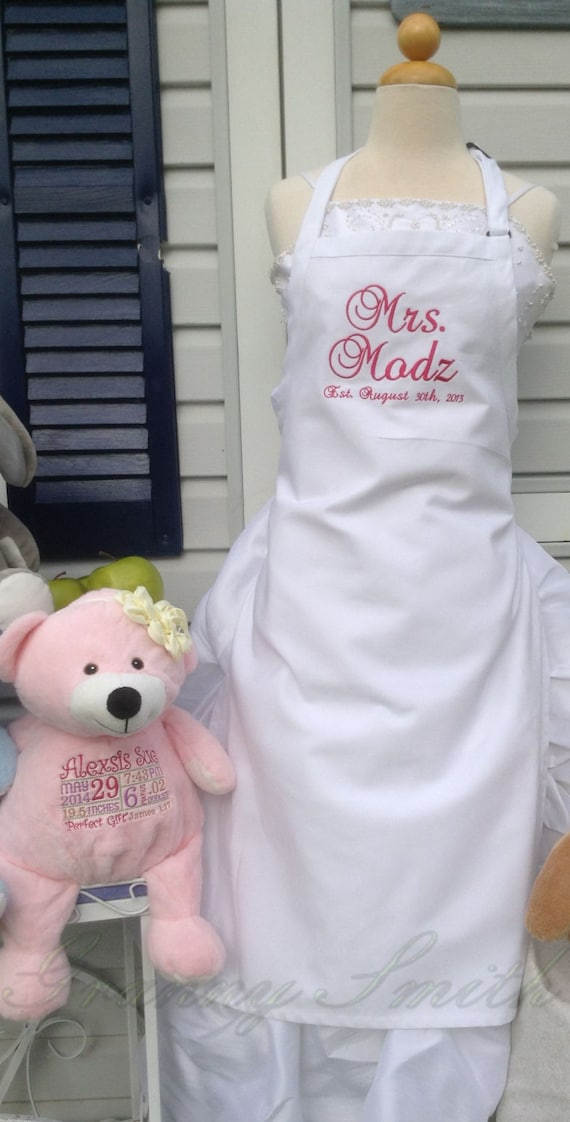 """White Wedding """"Mrs."""" Apron with Pretty in Pink, Script and NO Pockets (28""""L x 24""""W) Bridal Shower Gift, Cake Cutting Ceremony Dress Saver"""