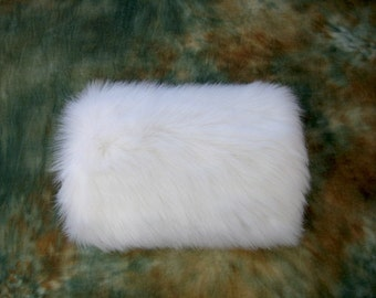 Faux fur muff for winter wedding - Available in white and ivory