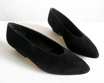 vintage 1980s Paloma shoes, black suede low heel pumps *** PRICE REDUCED***