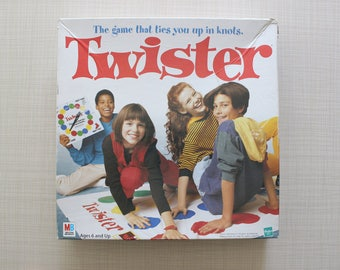 Twister The Game That Ties You Up In Knots Milton Bradley 1998