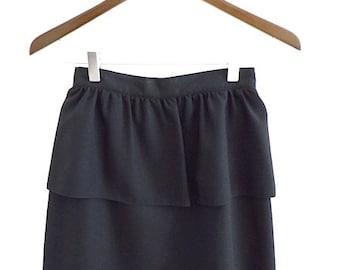 80s Vintage Skirt / Black Peplum Skirt with Kick Pleat / High Waisted / High Fashion / Formal Event / Vintage Wedding / Size 5/6
