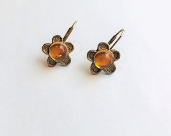 Vintage Gold Tone & Yellow Glass Stone Flower Earrings