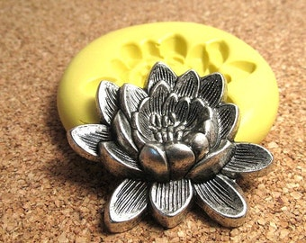 Lotus Flower (large) - Flexible Silicone Mold - Jewelry Mold, Polymer Clay Mold, Resin Mold, Craft Mold, PMC Mold, Chocolate Mold