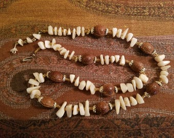 Vintage 1950's - 1960's Necklace With Mother Of Pearl Chips And Nut Shells