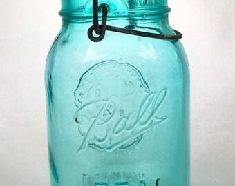 Bicentennial Quart Ball Mason Jar