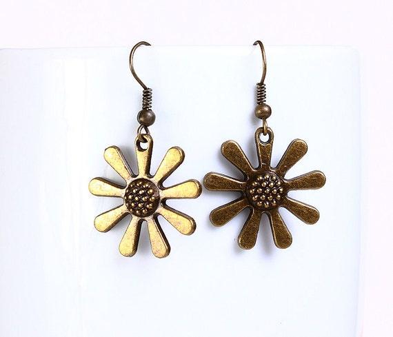 Flower antique brass drop earrings (542)