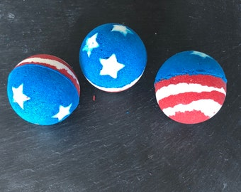 American Flag Bath Bomb  - Red White and Blue Bath Bomb - 4th of July Bath Bomb - Patriotic Bath Bomb - Americana Party Favor