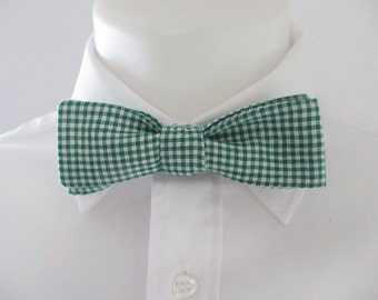 Men's Skinny Bowtie -  in small green gingham - thin bowtie