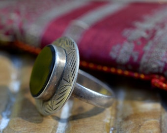 Onyx & Silver Afghan ring vintage gypsy ring, polished black onyx and sterling 925 bohemian tribal wanderlust ethnic round oval etched