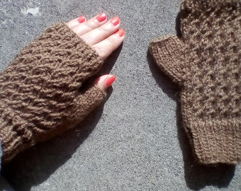 Brown cable knit gloves , hand knit gloves, cable knit mittens, wool
