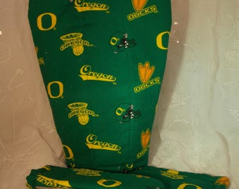 U of O Mitt Potholder Set U of O Ducks Oregon Ducks Oregon Kitchen Tailgating or BBQ Potholder U of O Kitchenware U of O Tailgate Supply