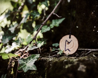 Pertho Rune Necklace, Pyrography Wood Pendant, Rune Pendant, Rune Jewelry, Viking Necklace, Viking Jewelry, Nordic Necklace, Norse Pagan