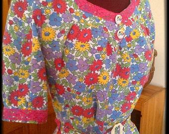 "ON SALE - 1940s Vintage Style Bright Floral Print Cotton Dress - Bust 32"" Size 8/ S"