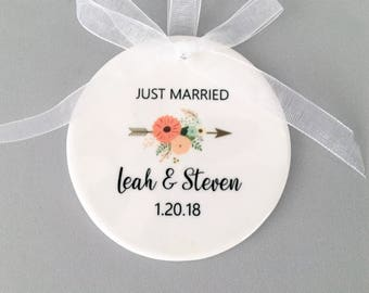 Just Married Ornament, Wedding Ornament, Wedding Ornaments, Floral Arrow, Just Married, Newlywed Gift, Wedding Gift, Bride and Groom Gift