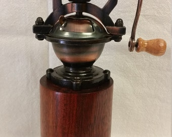 Antique Style Pepper Mill / Pepper Grinder