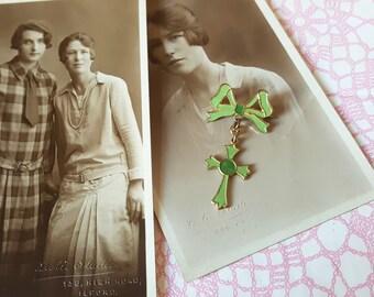 1930's enamel cross brooch - green enamel, enamel pin, bow brooch, bow pin, cross brooch, cross pin, celtic cross brooch, st patricks day