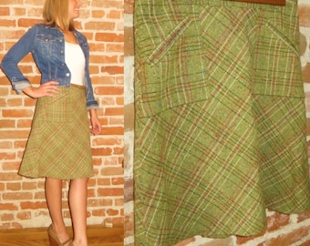 Vintage Women's Wool Plaid A-line Skirt, Made in Romania Size 6
