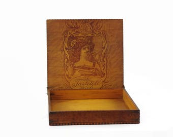 Antique Wooden Box with Lid, Pyrography Box, Wooden Chocolate Box, Tastetell Girls, Small Wood Trinket Box