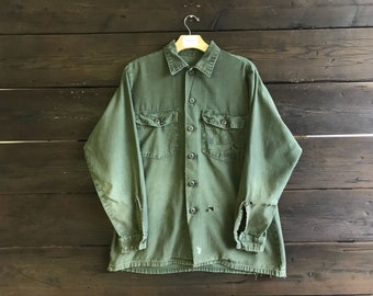 Vintage 70s Military/Army Button-Up Shirt