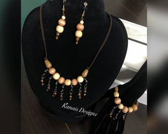 Wooded necklace, earrings and bracelet set