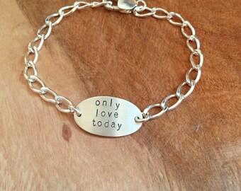 Personalized Oval Bracelet