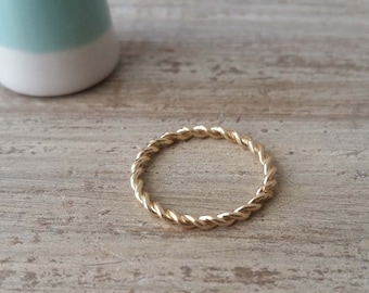 14kt gold filled ladies twist ring band size 7