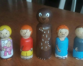 Going on a bear hunt peg dolls