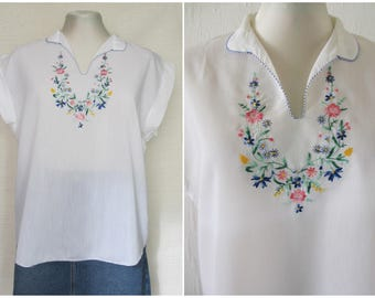 1970s White Embroidered Blouse Top 70s Ethnic Greek Peasant Blouse Hippie Boho Top from Greece L / XL