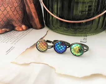 Set of 3 Rings - Dragon Mermaid Scale - Red, blue & green - Antique Brass, adjustable