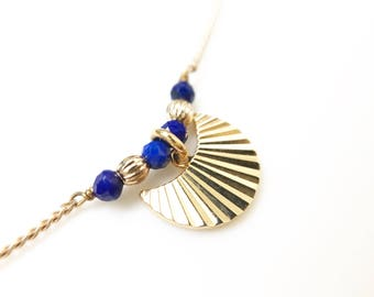 Choker necklace, plated gold hypoallergenic 18 carat 3microns, striated Moon pendant and semi precious beads of lapis lazuli
