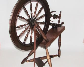 Used Country Craftsman Spinning wheel
