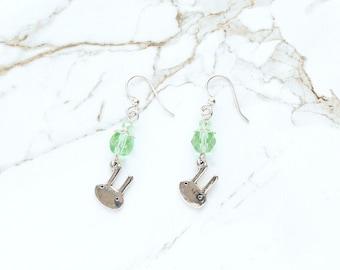 Boucles d'oreilles de Pâques, lapin argent boucles d'oreilles, clair vert boucles d'oreilles, boucles d'oreilles de lapin mignon, Pâques panier cadeau de Noël, boucles d'oreilles cristal de verre vert